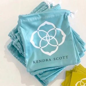 25 Kendra Scott pouches bags